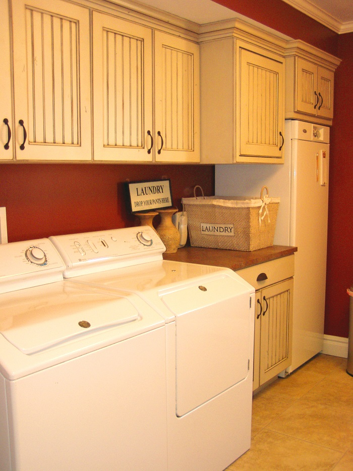 Country Home Mudroom and laundry | Renovation Design Group