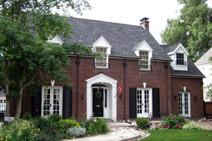 You can renovate colonial home without losing charm