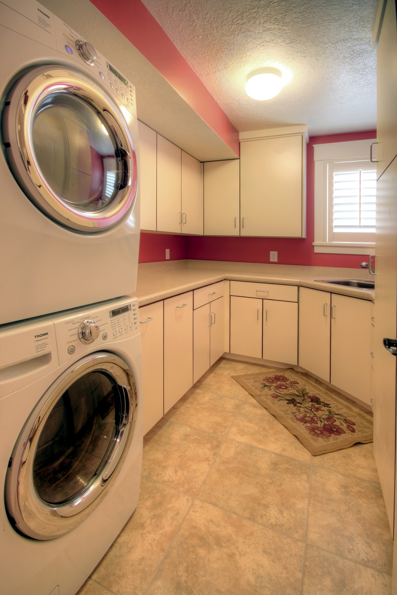 After_Interior_Laundry Room_Mudrooms_1980's Home Update | Renovation Design Group