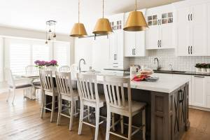 White cabinets in a newly remodeled kitchen to generate home remodeling ideas