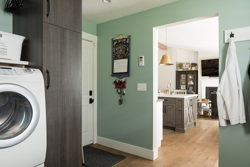 mudroom and kitchen to generate home remodeling ideas