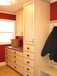 Country Road Mudroom   Renovation Design Group