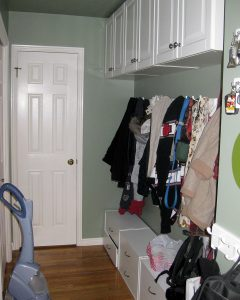 Before_Interior_mudroom_Pets | Renovation Design Group