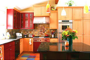 Recycling Centers,Pantries Among Top Kitchen Upgrades