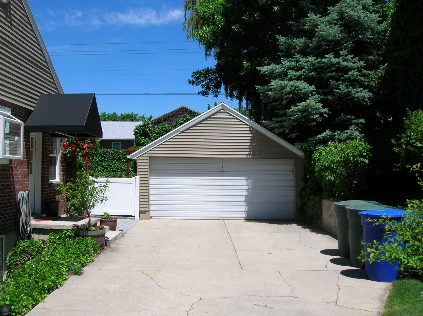 Before garage remodel | Renovation Design Group
