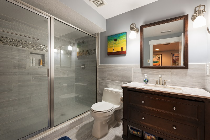 Basement Bathroom win traditional style
